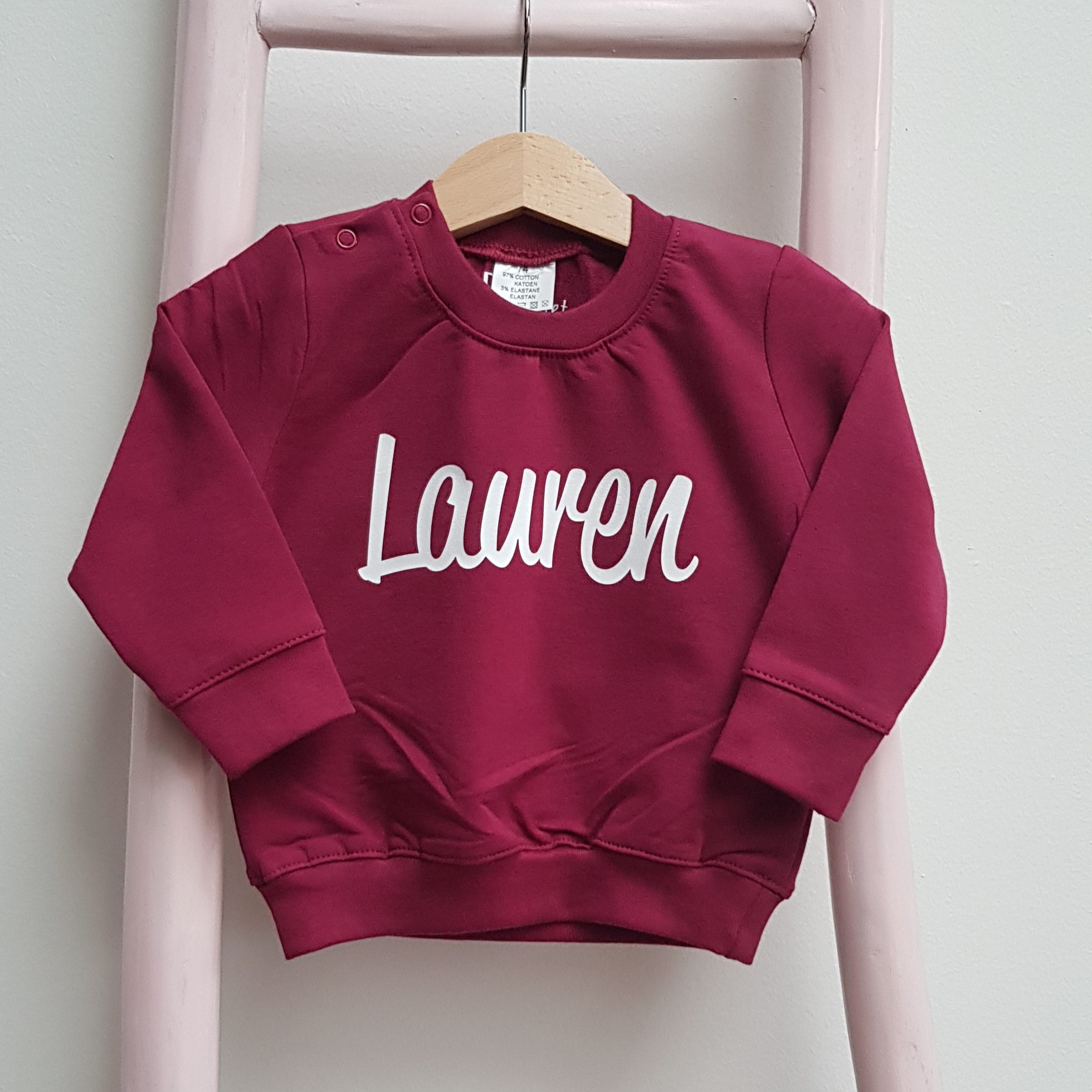 sweater baurgundy naam bordeaux rood foto