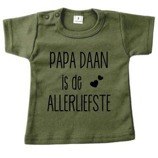 Tshirt legergroen korte mouw papa (naam) is de allerliefste